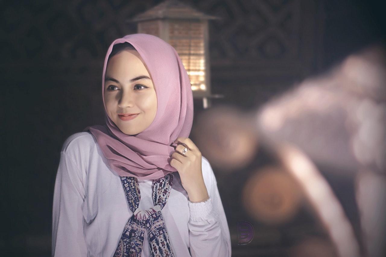 Kiat Memilih Hijab Sesuai Bentuk Muka