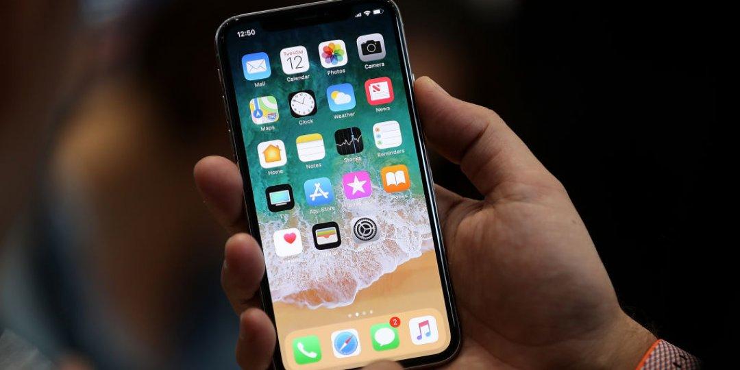Layar iPhone X Mudah Pecah Dan Harga Servisnya Bisa Buat Beli Hape Baru
