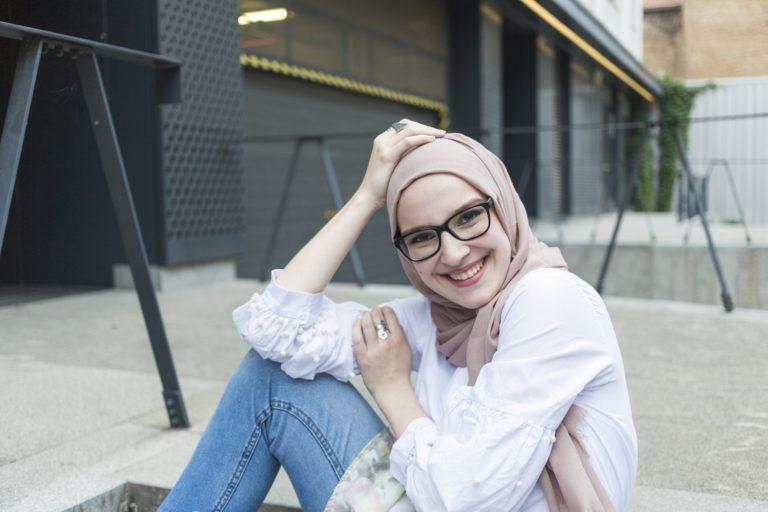 Padu Padan Hijab Penuh Pesona untuk Hangout di Akhir Pekan
