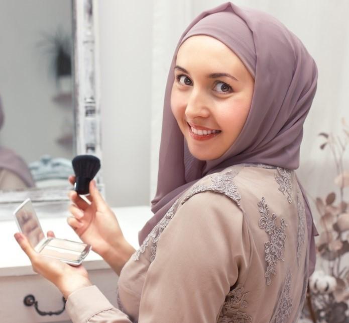 Inilah Alasannya Kenapa Kamu Harus Menggunakan Kosmetik Halal
