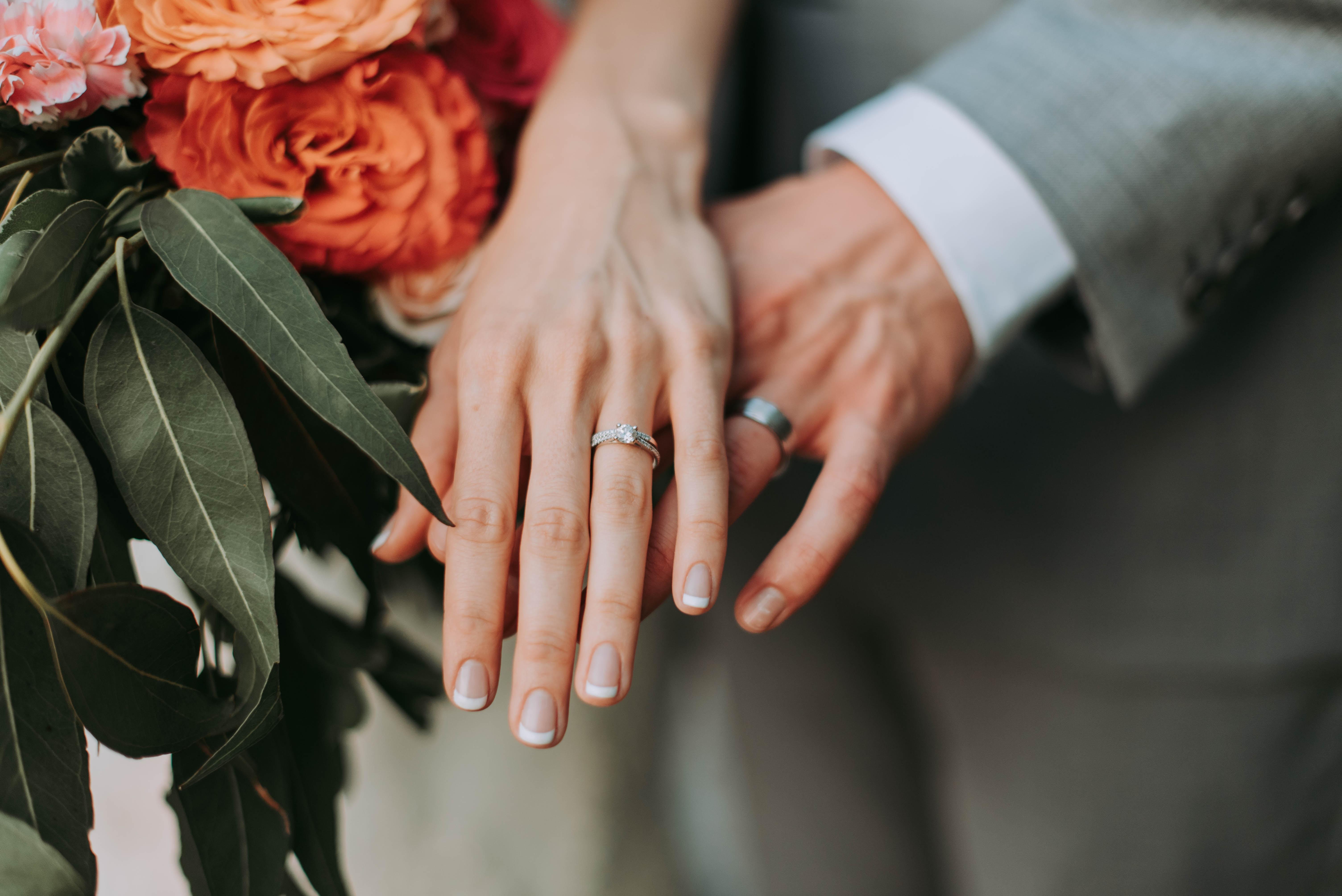 cara memilih cincin pernikahan