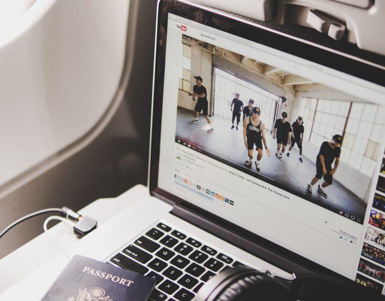 Mau Jadi Youtuber Terkenal? Sudah Punya 5 Alat Ini Belum?