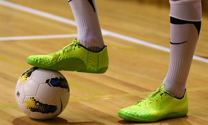 5 Tips Memilih Sepatu Futsal yang Tepat