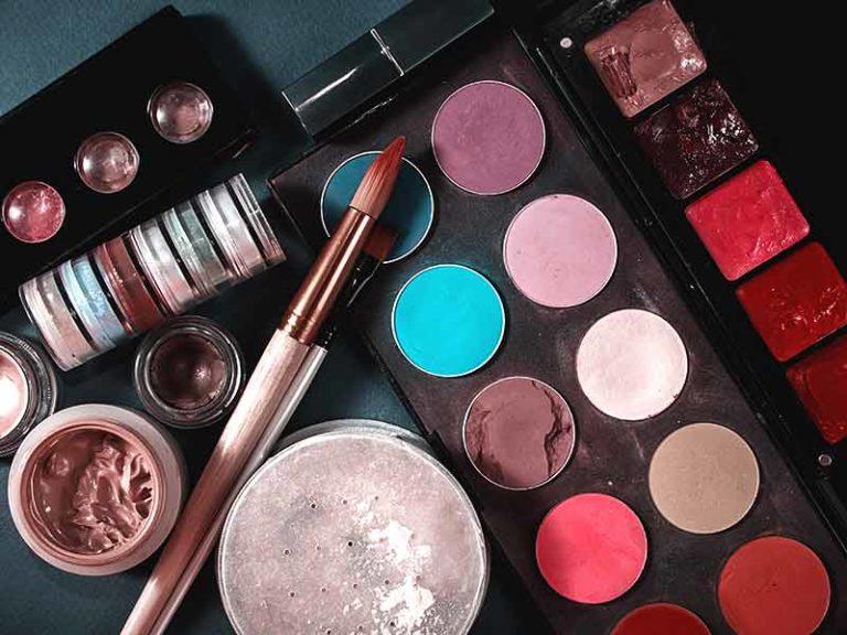 Apakah Kamu Sudah Cek Masa Pakai Make Up Kamu?