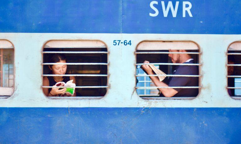 Yuk persiapkan hal ini , saat kamu bepergian sendiri menggunakan kereta api