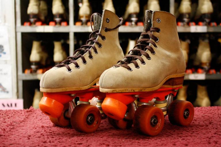 Digemari Anak 90-an, Ini Perkembangan Sepatu Roda Hingga Kini