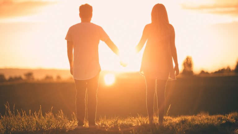 7 Tanda Jatuh Cinta pada Orang yang Salah