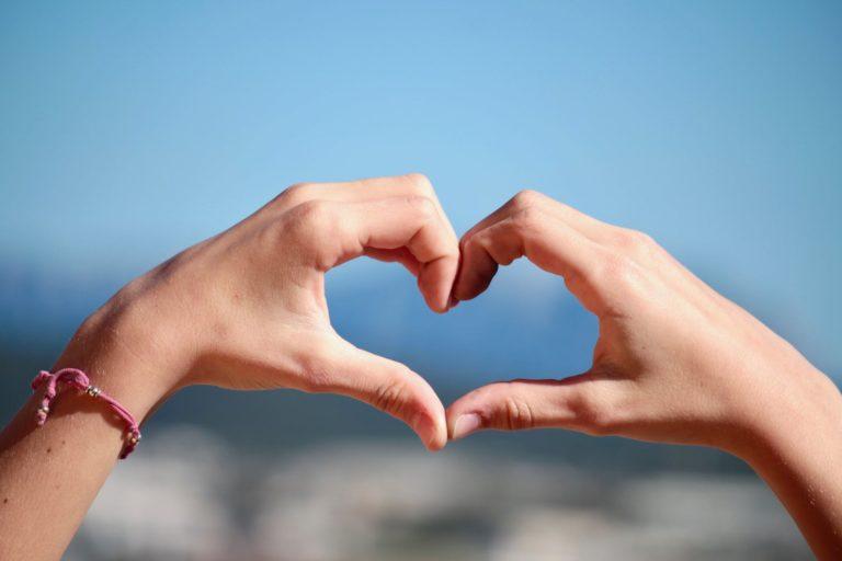 5 Zodiak Yang Gampang Move On Saat Putus Cinta