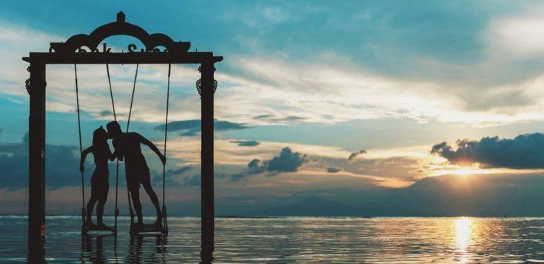 5 Destinasi Bulan Madu Dalam Negeri yang Terjangkau dan Romantis