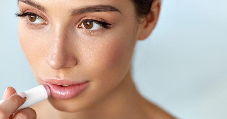 Wajib Tahu, Ini 7 Sebab Bibirmu Menghitam!