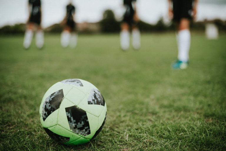Prediksi Shopee Liga 1 2019: Persebaya vs Bali United dan Persib Bandung vs Persipura