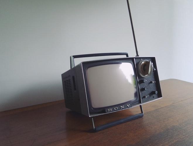 5 Rekomendasi TV LED Canggih dengan Harga Terjangkau!