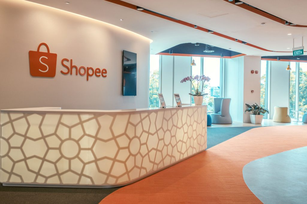 Shopee didirikan pada tahun...
