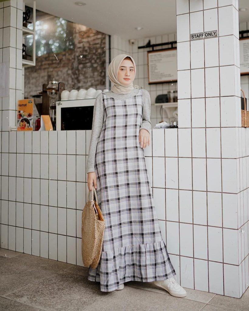 Inspirasi Pakaian Liburan Muslimah