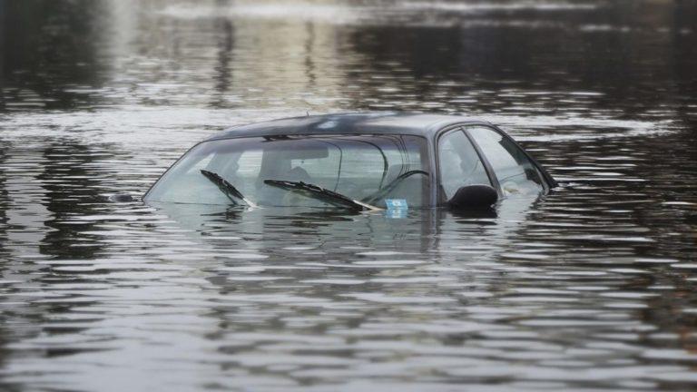 Tips untuk Kendaraan yang Terkena Banjir