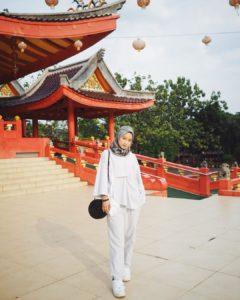 Hijab motif monokrom gitasav