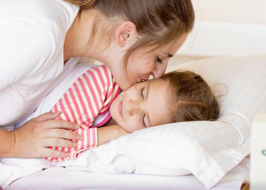 Buat rutinitas harian agar work from home bersama anak produktif