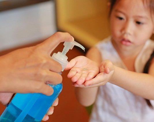 Hand sanitizer aman untuk anak