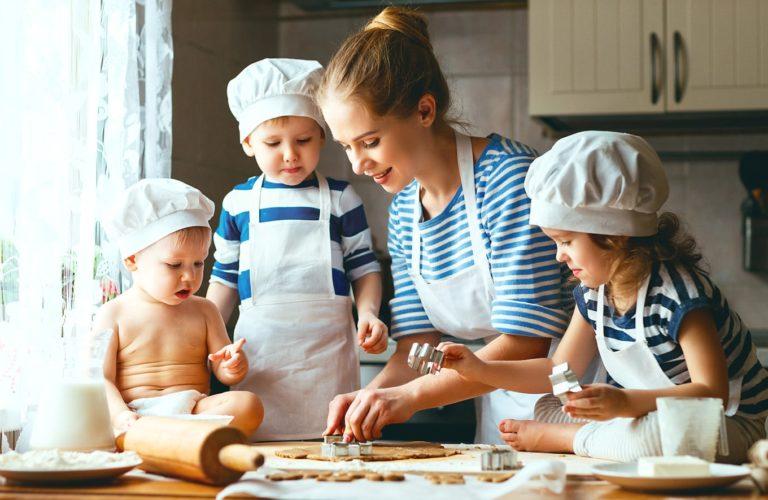 #Dirumahaja Ingin Ajak Balita Memasak? Coba Buat 4 Makanan Ini, Moms!