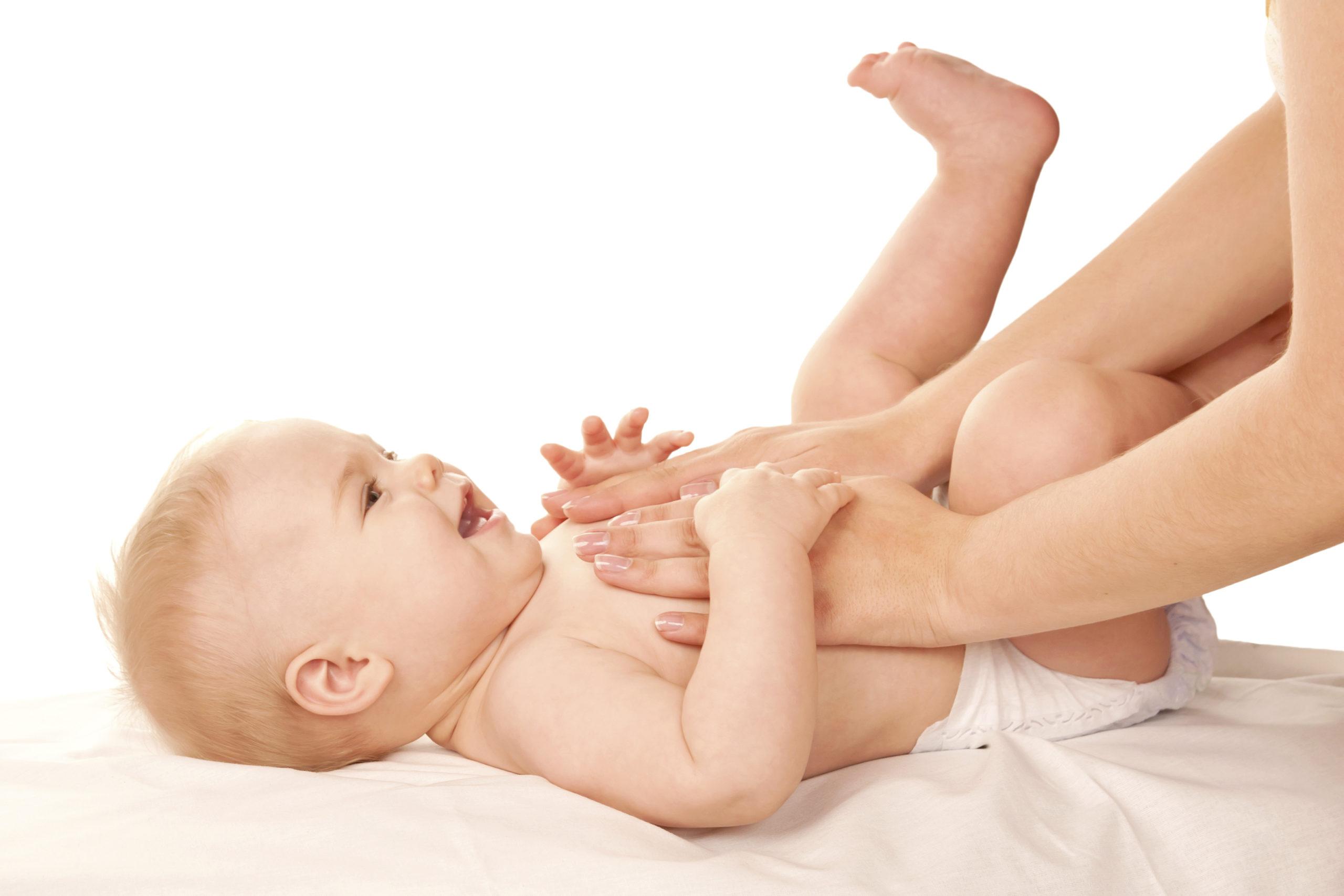 Pijatan untuk atasi sembelit bayi