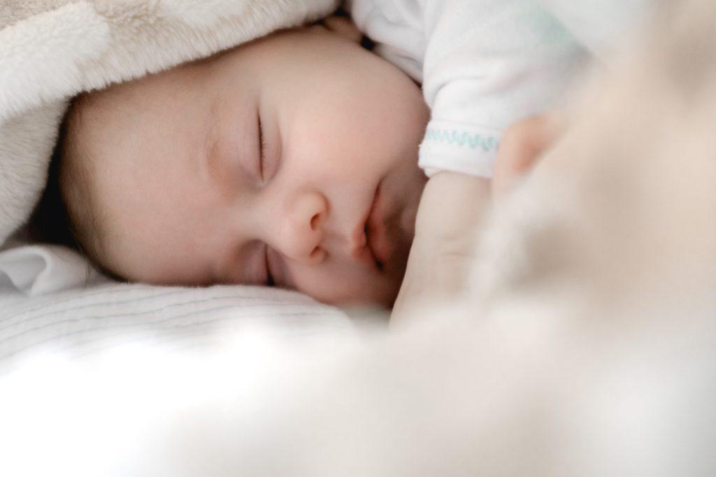 Pakaian untuk bayi baru lahir