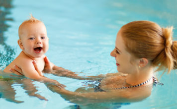 Manfaat renang untuk bayi