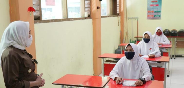 Bupati Bojonegoro Pantau Sekolah yang Melakukan Uji Coba Belajar Tatap Muka