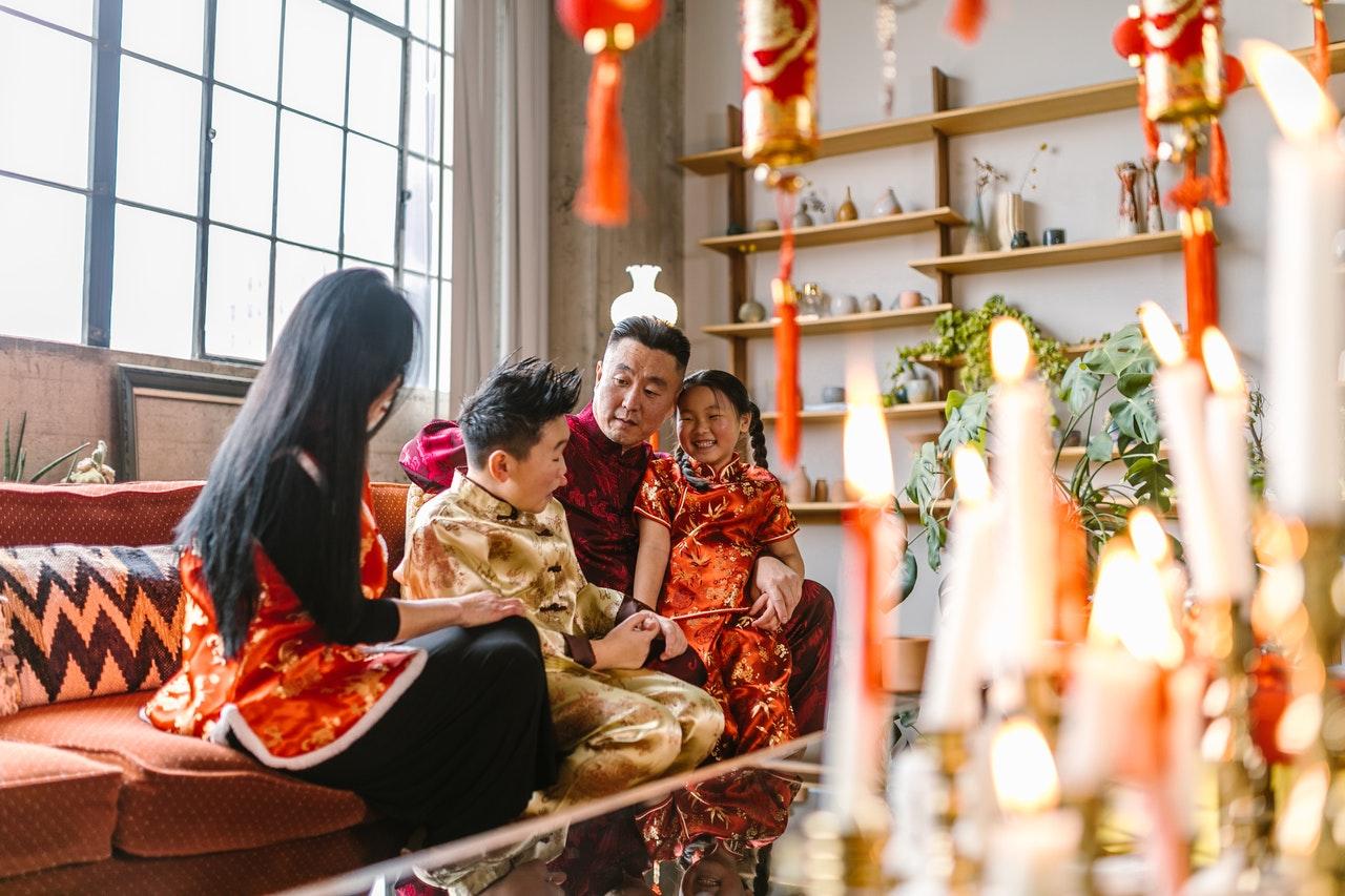 tradisi imlek di Indonesia