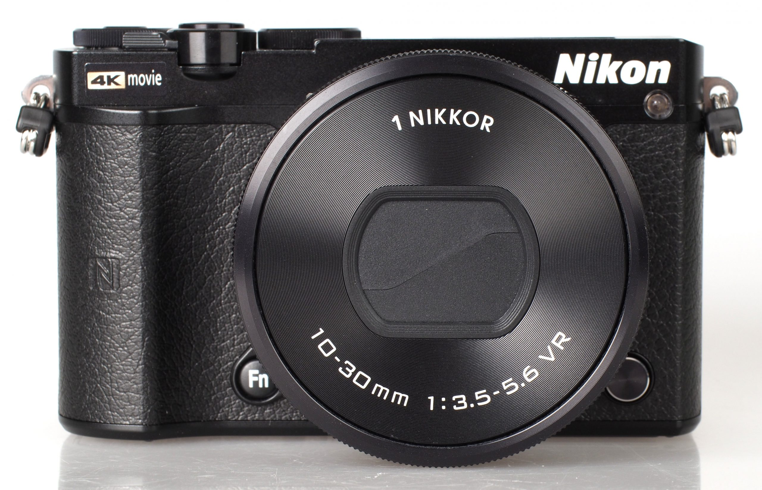 Nikon1 J5 Kamera murah terbaik 2021